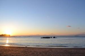1月に葉山で開催した「星空マイスター学科」のときの夕暮れ。今回の会場からは方角的に夕日は見えないそうですが、海と空を染めるグラデーションはきっと最高!